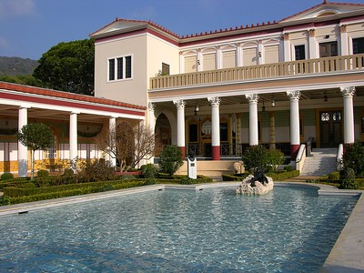 Entrance to the Getty Villa, Malibu, CA., photo by Diosthenese, obtained from Flickr. CC BY 2.0.